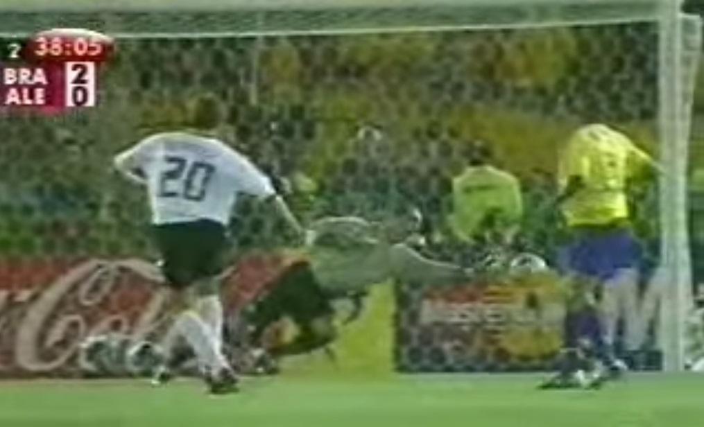 Defesa de Marcos na final da Copa do Mundo de 2002