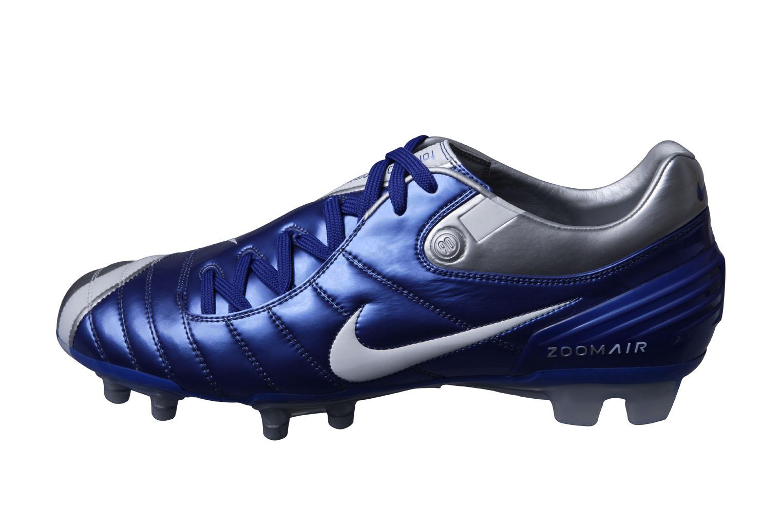 c2f8da233ac08 Total 90: Relembre uma da linhas mais famosas da Nike | Torcedores.com