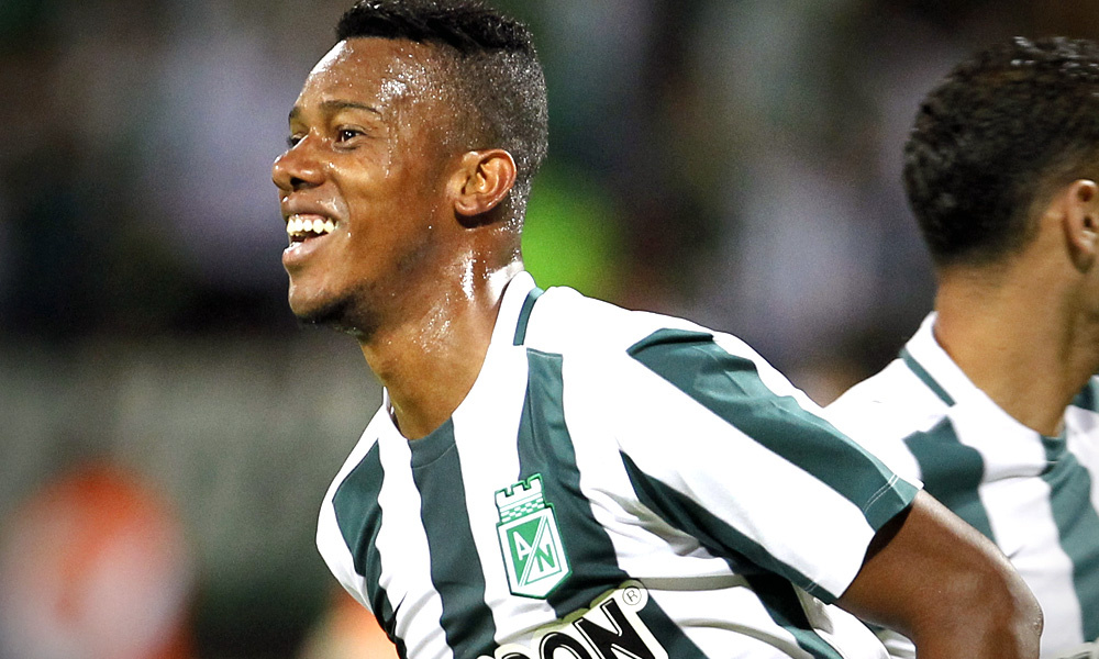 Jonathan Copete é reforço do Santos