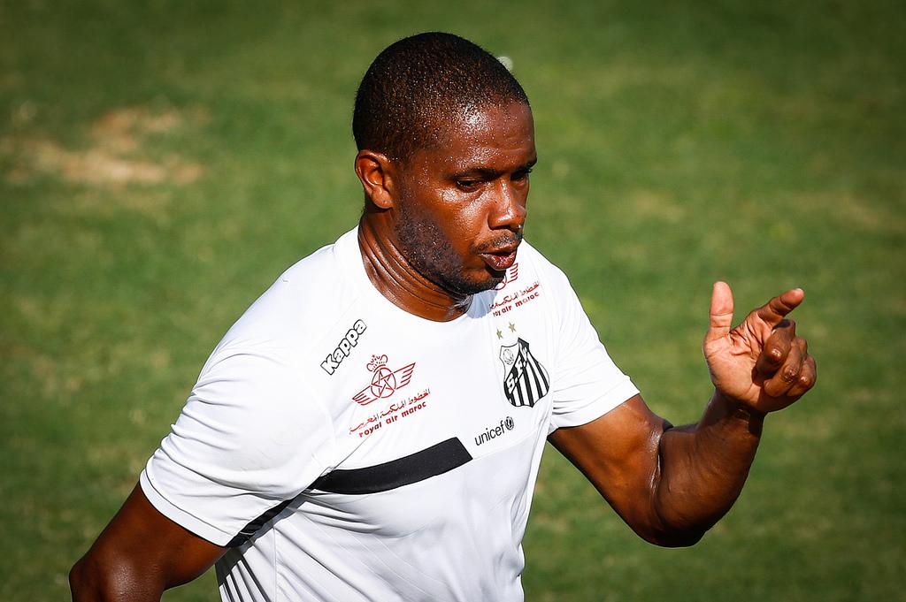 Santos não queria, mas acabou renovando com o volante equatoriano Valencia