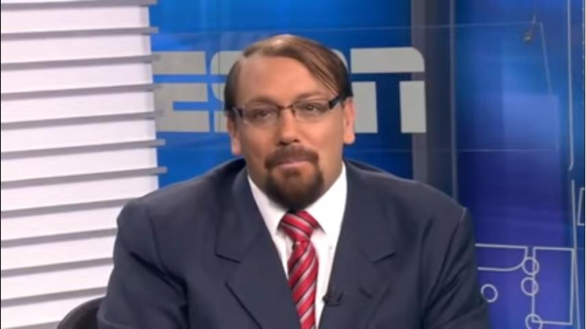 """De estilo irreverente, Alê Oliveira conta quando levou """"bronca"""" na ESPN"""