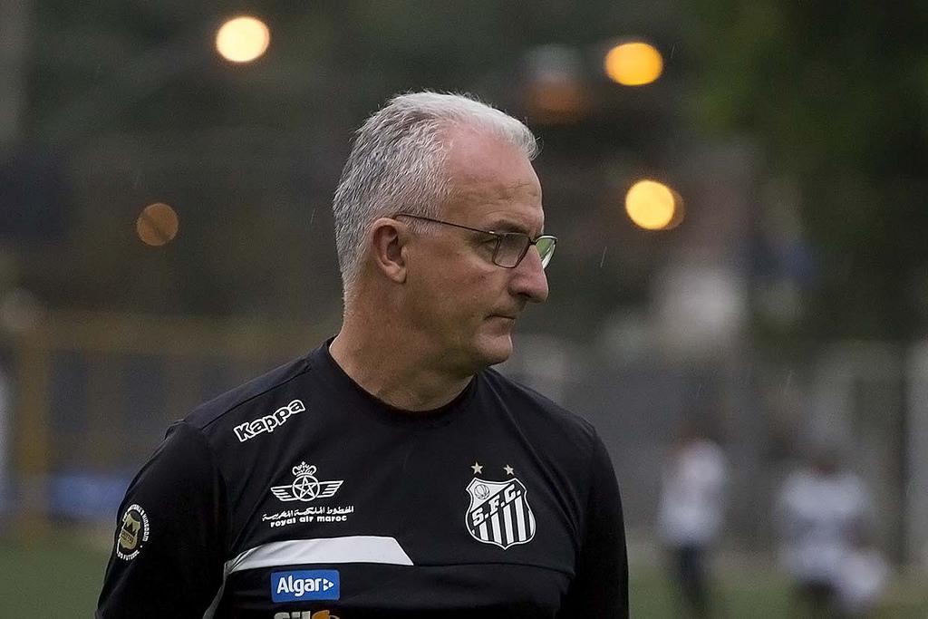 Dorival Júnior explica pontos perdidos pelo Santos no Brasileirão