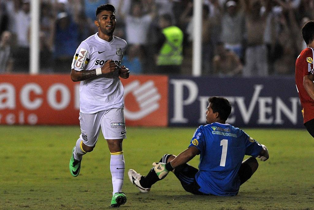 Há três anos, Santos fazia gol 12 mil com goleada na Vila; relembre