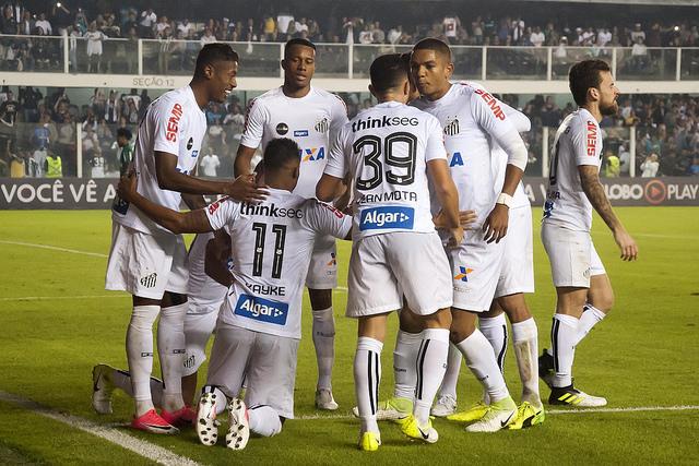 Santos X Atletico Go Saiba Como Assistir Ao Jogo Ao Vivo Na Tv