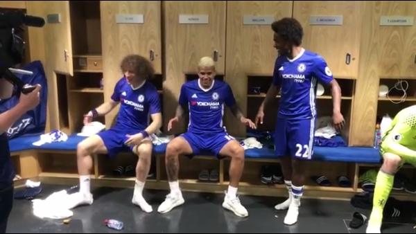Chelsea Revela Farra De Brasileiros Antes De Erguerem Taca Da Premier League Assista