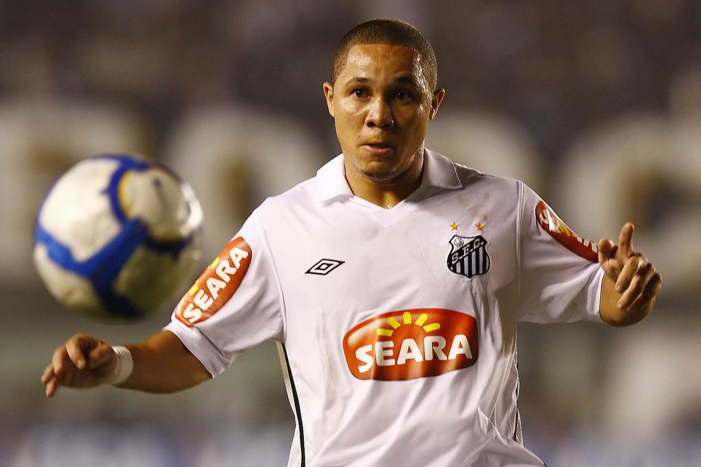 Em rede social, Madson revela desejo de voltar ao Santos no futuro; veja