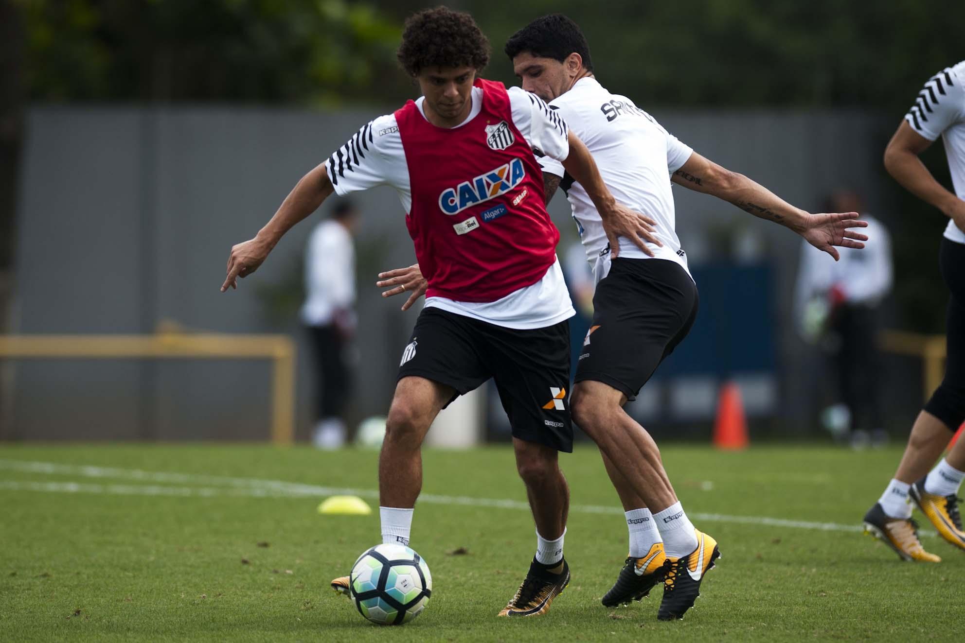 Volante do Santos nega que clube seja quarta força