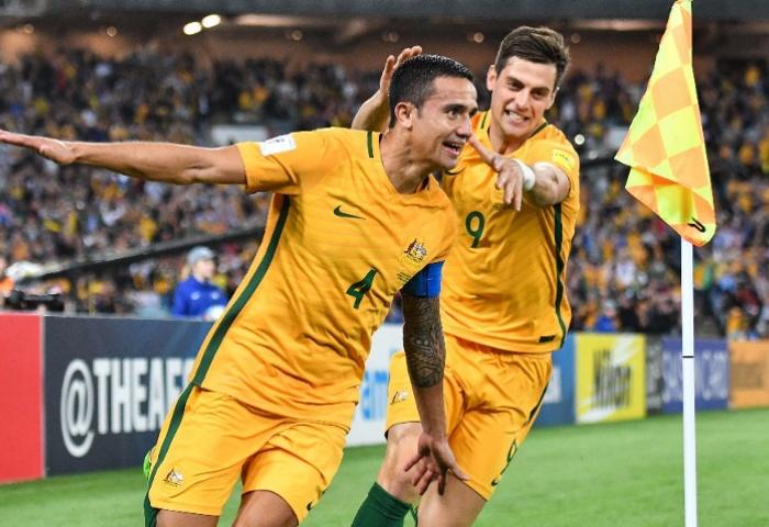Tim Cahill comemora o gol da classificação da Austrália contra a Síria