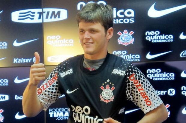 Ex Goleiro Do Corinthians Anuncia Aposentadoria Aos 27 Anos