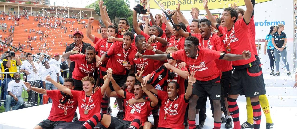 Elenco do Flamengo campeão da Copinha em 2011