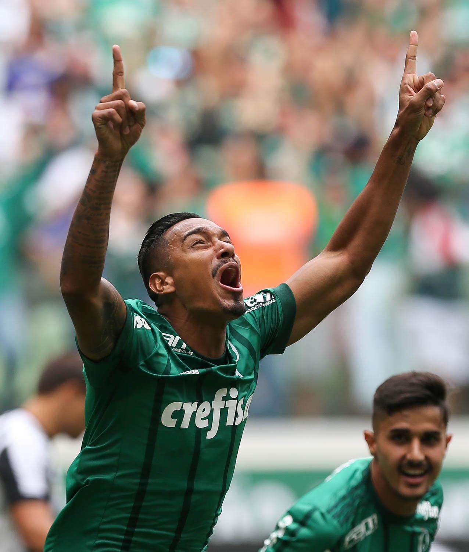 Antônio Carlos projeta Palmeiras x Corinthians