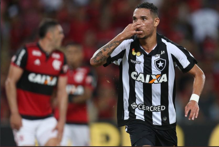 Botafogo tira sarro do Flamengo