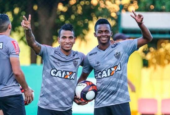 Otero e Cazares no Corinthians