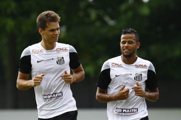 Zagueiro diz se vai comemorar gol no Santos