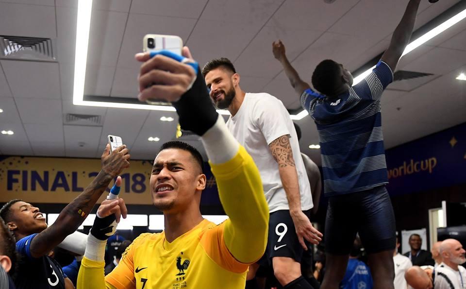 Jogadores da França posando para