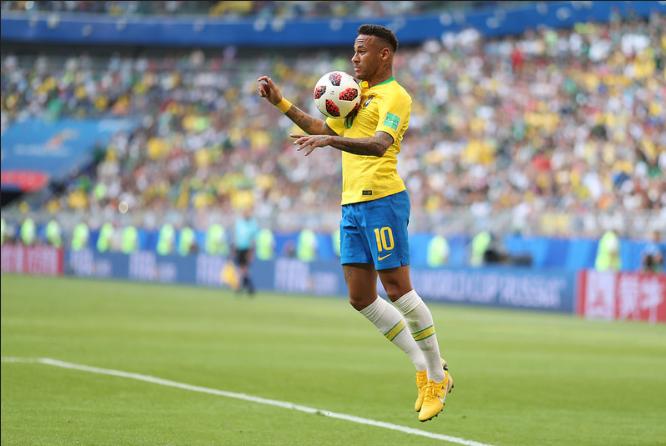 Edmundo crê que Neymar não deveria ter sido convocado por Tite.