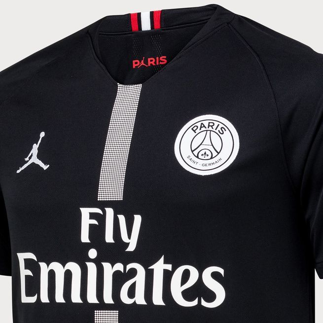 03fdb5b2b4 PSG lança uniformes para a Champions League produzidos por marca de Michael  Jordan
