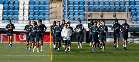 Apesar de estar balançando fortemente no cargo, Lopetegui comandou normalmente o treinamento do Real Madrid nesta segunda-feira (29).