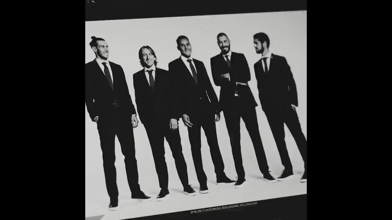 Com presença dos 25 jogadores do elenco principal, Real Madrid divulgou foto oficial para a temporada 2018/19.