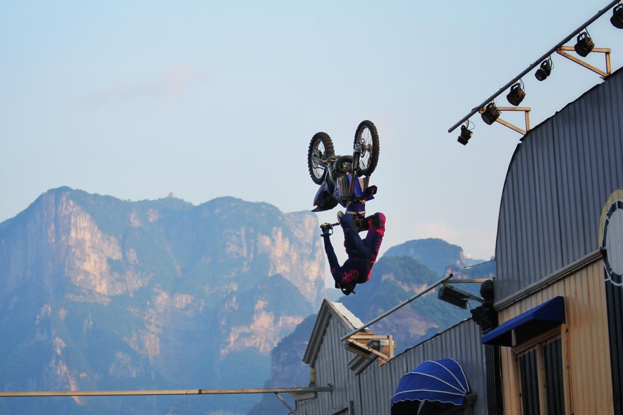 Cordova flip é uma das manobras de Kiko Silva para a competição que ocorre na China - Crédito Fotos: Diego Mafra