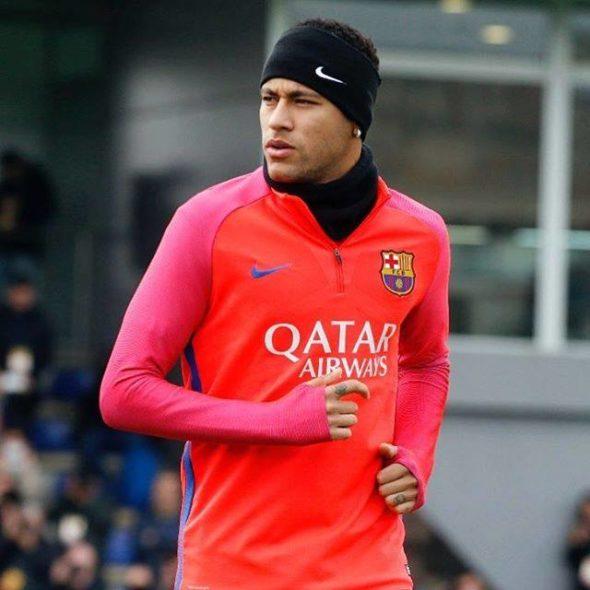 Com retorno sendo especulado, Neymar e Barcelona irão precisar resolver pendências judiciais antes de um possível acerto.