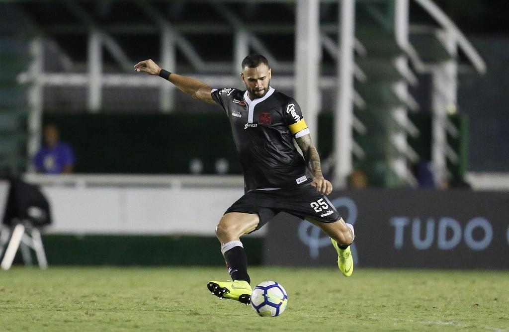 Leandro Castan acredita que o Vasco terá um confronto duro diante do Goiás.