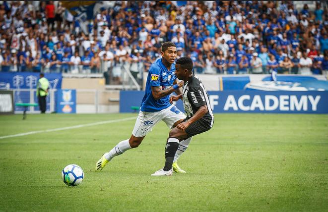 Desempenho de Atlético e Cruzeiro quando se encontram em mata-mata nas competições nacionais