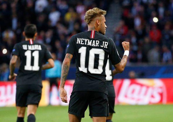 Jorginho, campeão da Copa do Mundo de 1994, aconselhou Neymar a focar apenas no futebol.
