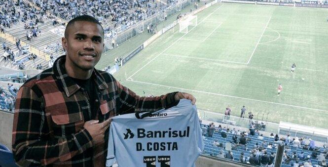 Douglas Costa revelou que pretende encerrar sua carreira no Grêmio, clube que o revelou.
