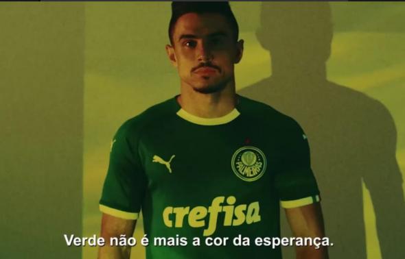 c8cd24698a Verde é a cor da inveja: em vídeo de lançamento da nova camisa, Puma ...