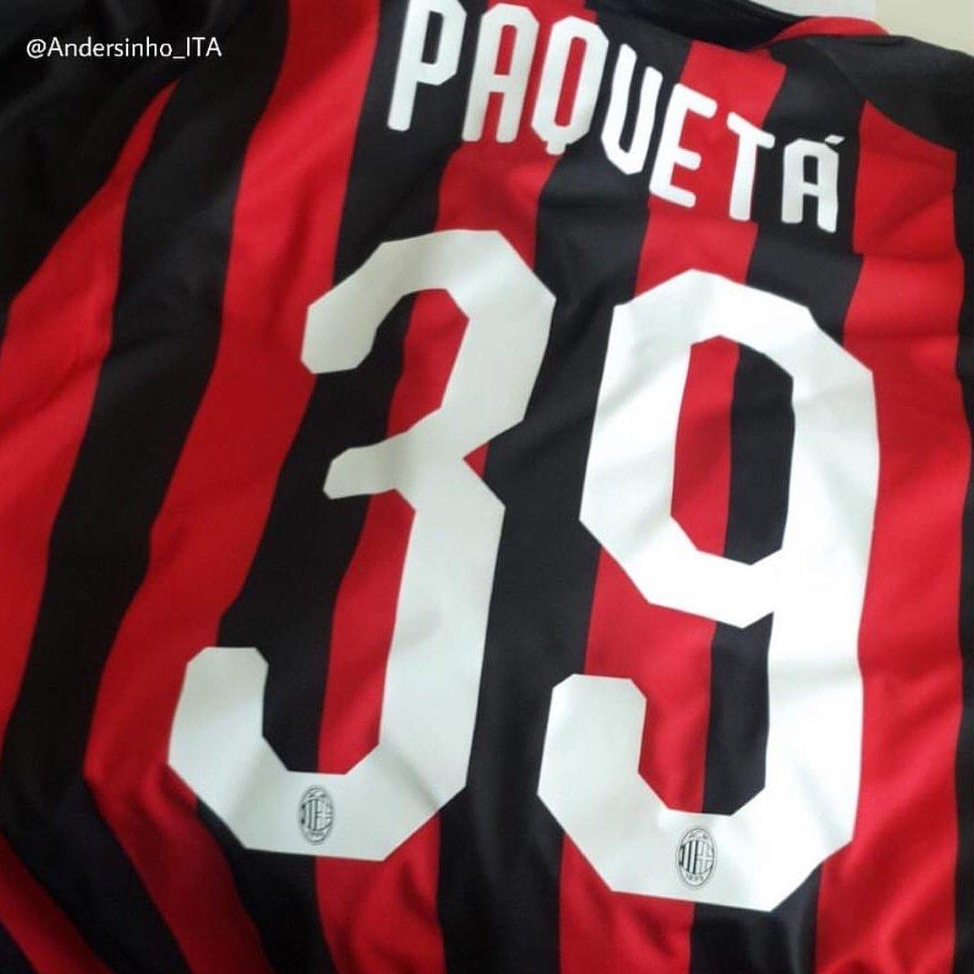 Lucas Paquetá foi inscrito no Campeonato Italiano e poderá estrear pelo Milan.