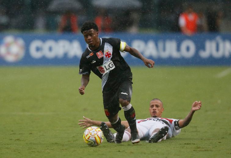 Lucas Santos irá permanecer no Vasco após o CSKA tentar contrata-lo.