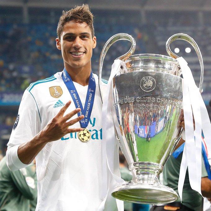 Varane tratou de afastar qualquer rumor de que estaria querendo deixar o Real Madrid e que não estaria feliz no clube espanhol.