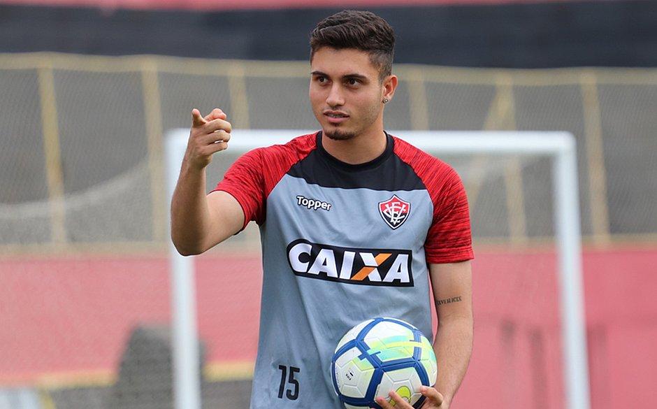 """Luxemburgo elogia promessa do Palmeiras que estava no Vitória: """"Merece um olhar diferente"""""""
