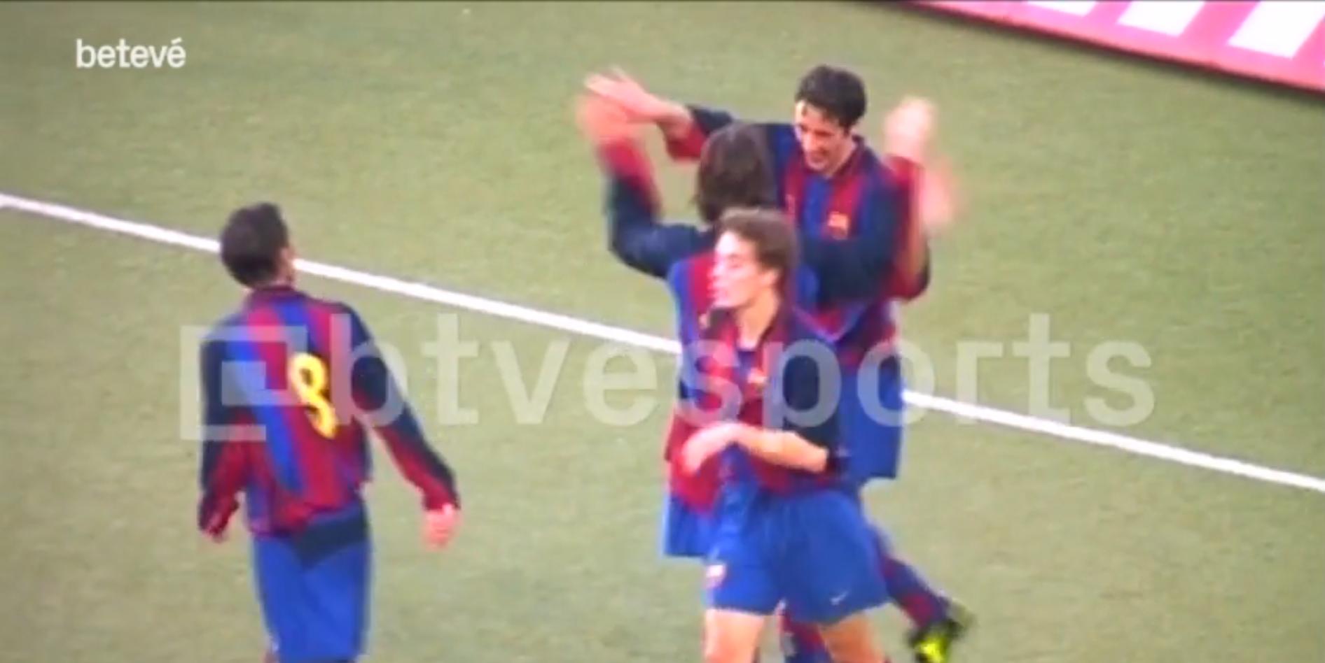 Vídeo recorda único ''hat-trick perfeito'' de Lionel Messi pelo Barcelona, em 2004, quando o argentino tinha apenas 16 anos.