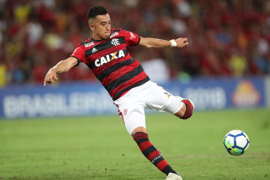 Santos avança por Uribe