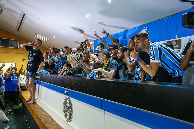 Grenal 420 Grêmio Campeão Gaúcho Renato Portaluppi 1 minuto de silêncio
