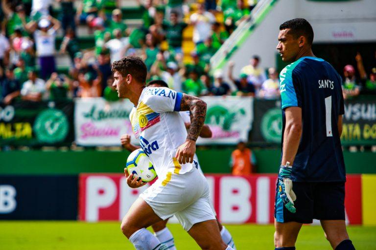 Chapecoense x Athletico-PR: assista aos gols da partida