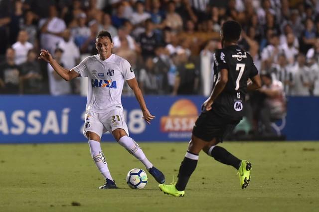 Atlético-MG e Santos jogam pela Copa do Brasil