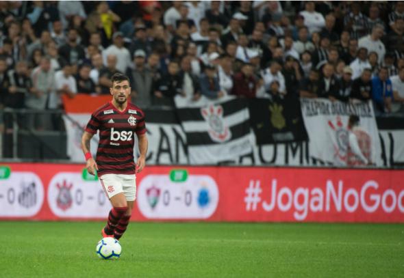 Arrascaeta tem bom retrospecto em duelos contra o Atlético