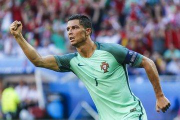 Rui Patricio não poupou elogios para Cristiano Ronaldo e valorizou a presença do atacante no elenco de Portugal.