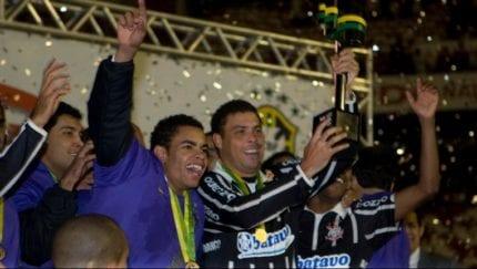 Ronaldo e Dentinho fazem a festa no Beira-Rio