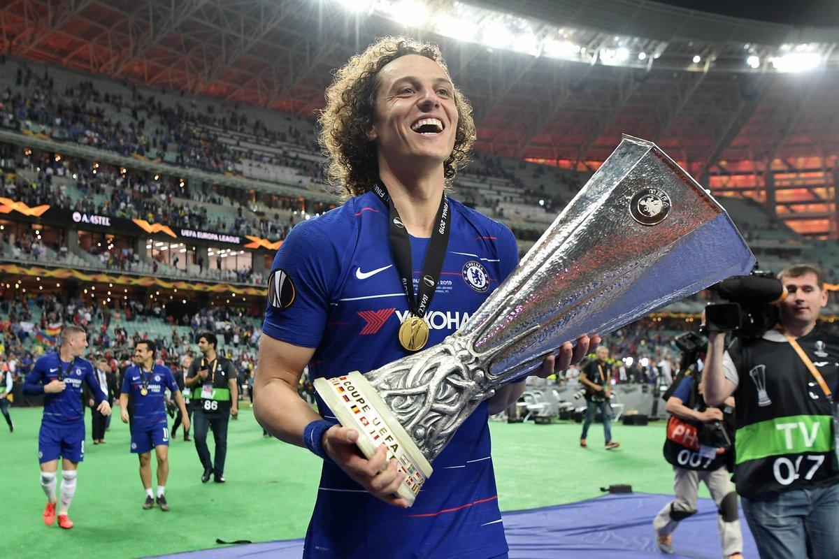 David Luiz Celebra Título Da Liga Europa E Recorde Pelo