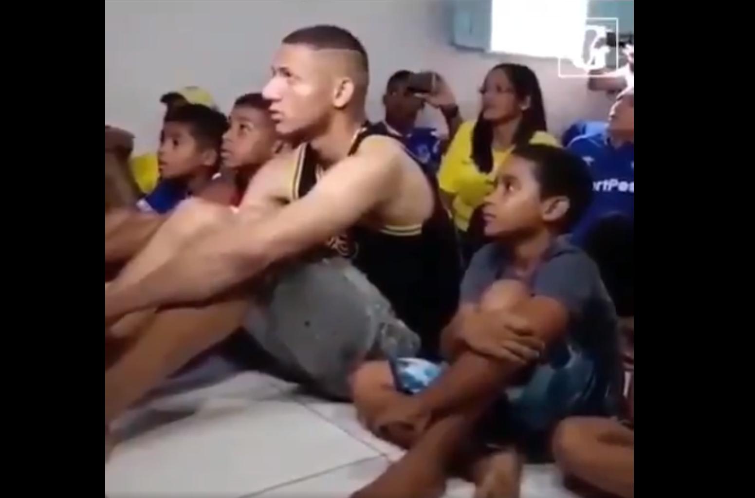 Ao receber a confirmação de que estará na Copa América, Richarlison foi à loucura junto com seus familiares e amigos.