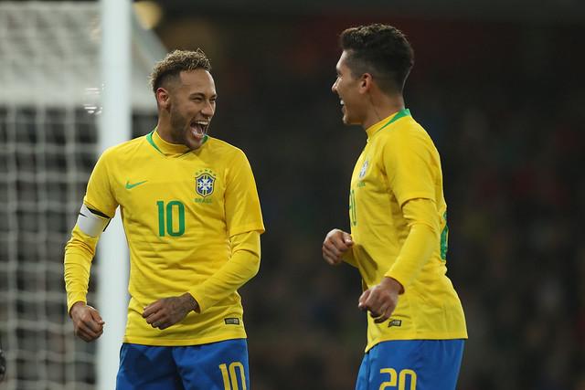 Neymar e Firmino na seleção