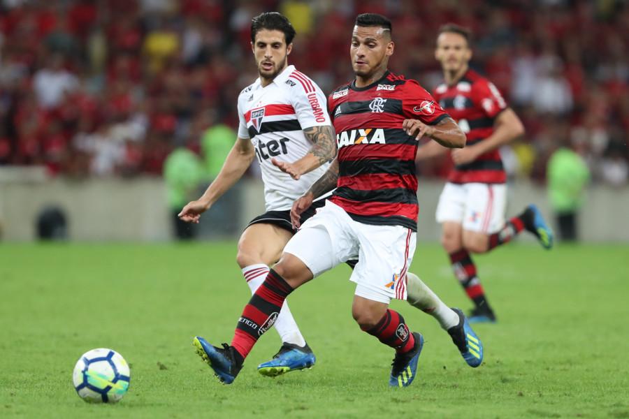 São Paulo e Flamengo chegaram a liderar o Brasileirão de 2018, vencido pelo Palmeiras