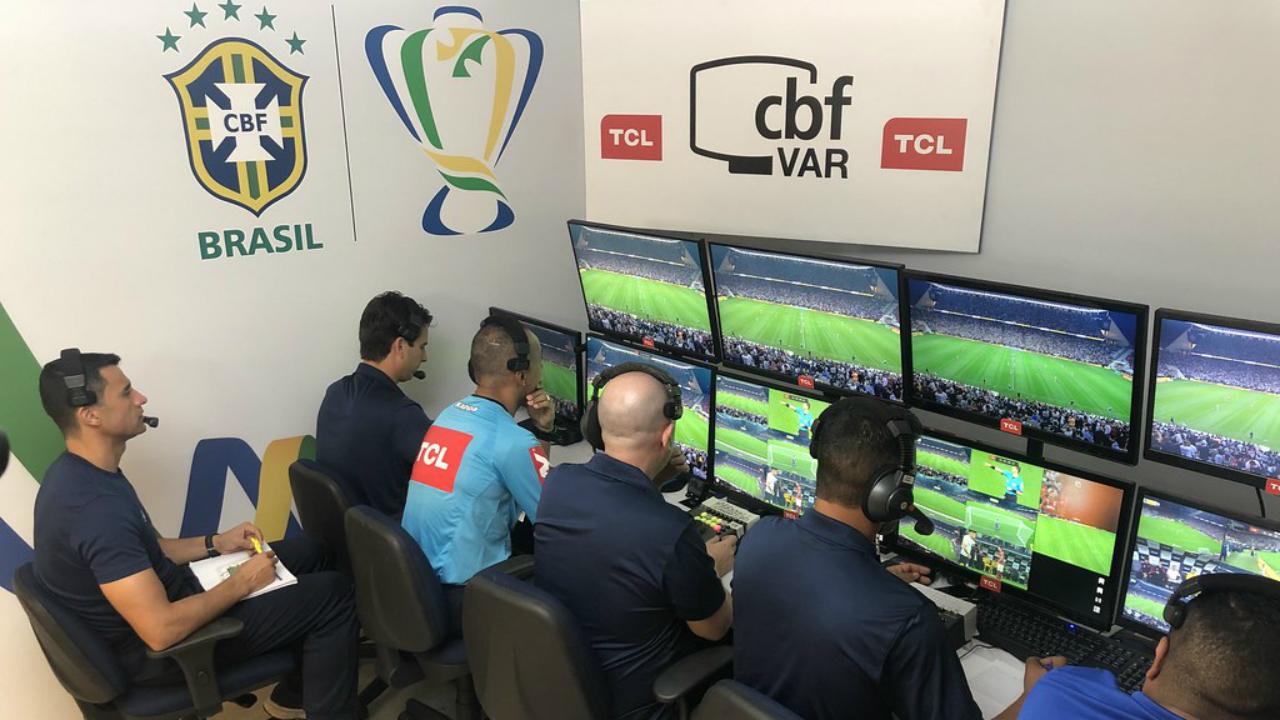 CBF anuncia mudanças no VAR a partir do segundo turno do Brasileirão; confira