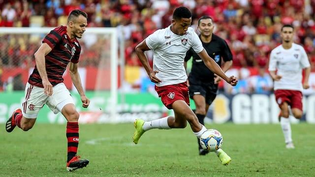 Neste ano o atacante João Pedro fez um dos gols do clássico Fla-Flu pelo Campeonato Carioca