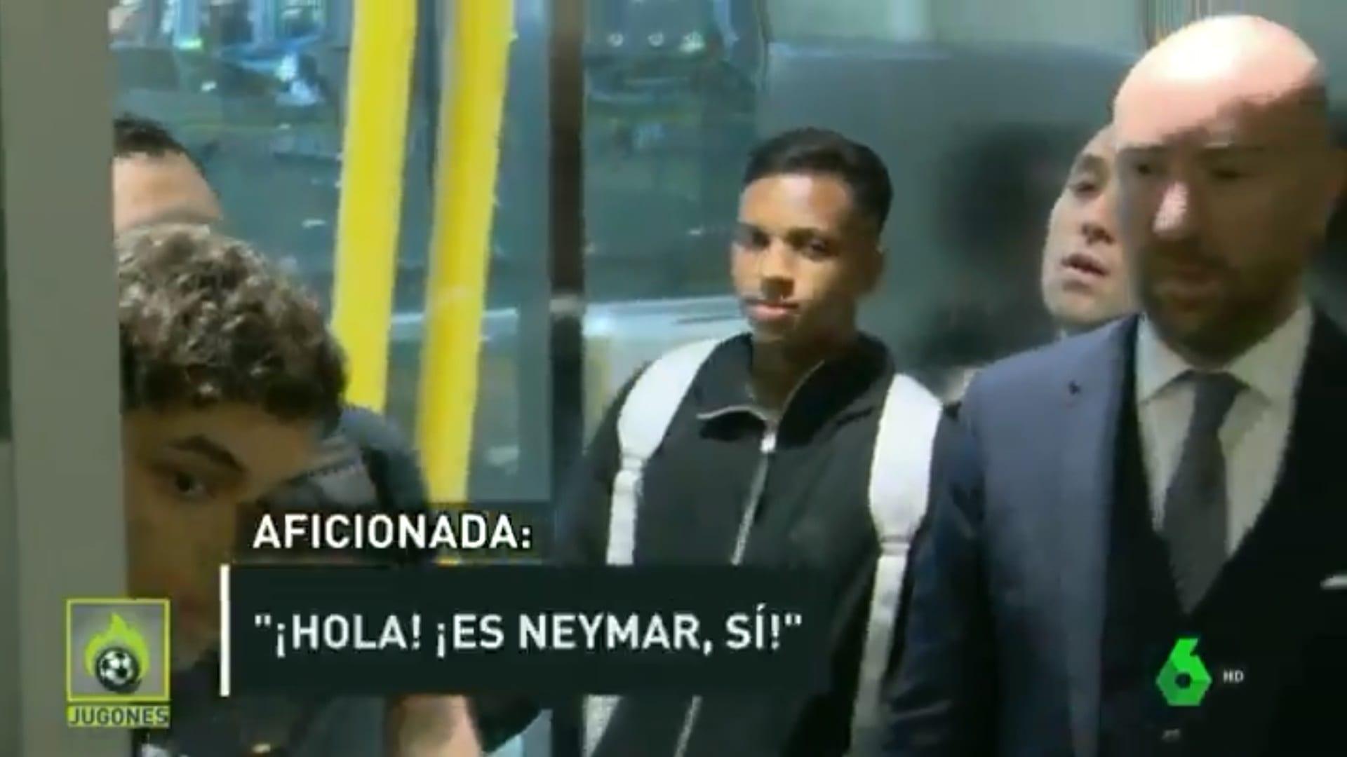 Em sua chegada na Espanha, Rodrygo acabou sendo confundido com Neymar por uma torcedora.