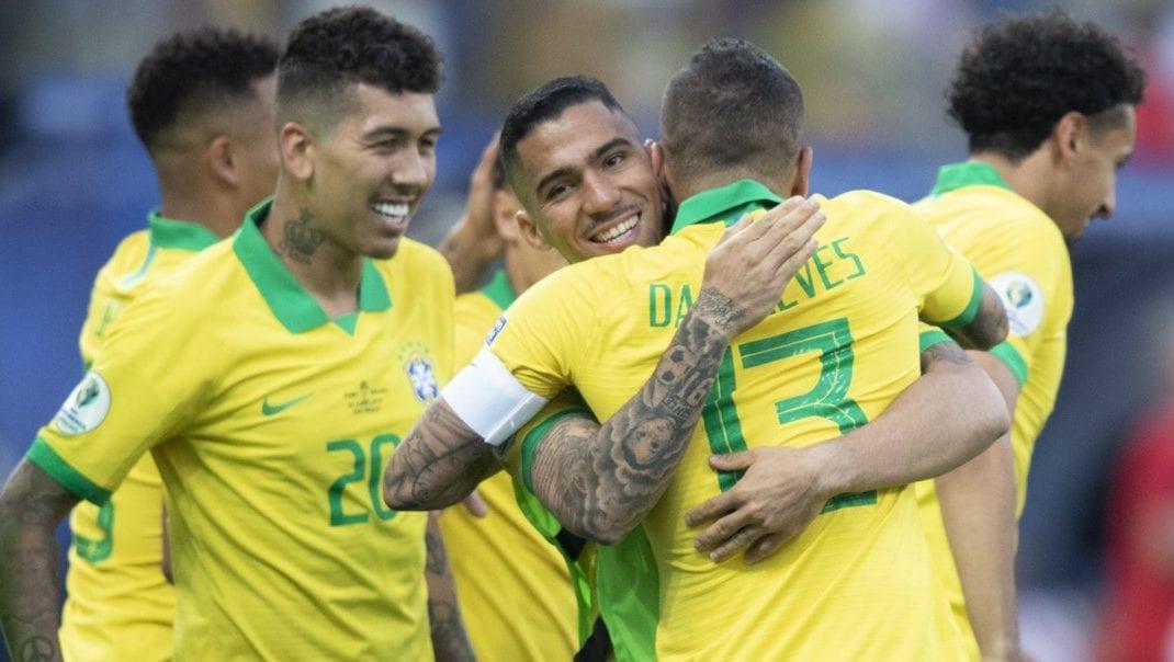 Brasil x Paraguai - 26/04/2018 - Esporte - Fotografia